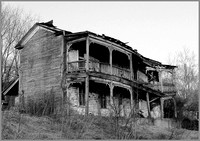 BLACK AND WHITE IMAGES IN SOLEMN RELICS: OLD ABANDONED HOUSES